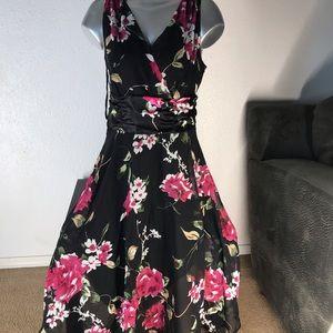 Floral dress beautiful Size 14